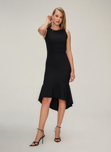 NGSTYLE Halter Yaka Eteği Volanlı Midi Elbise Siyah